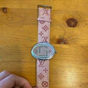 LV watch